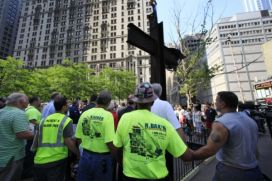 9-11-cross-prayer